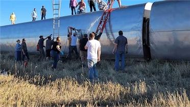 Tàu hỏa trật bánh tại Mỹ, nhiều người thương vong