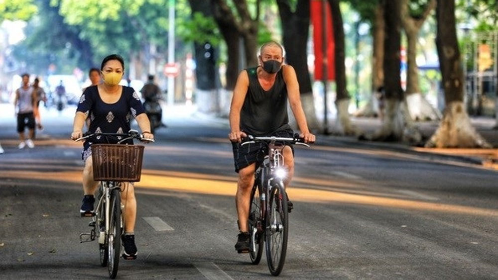 Hanoi, outdoor sport activities, no more than 10 people, 5K principle, preventive measures, Covid-19 pandemic
