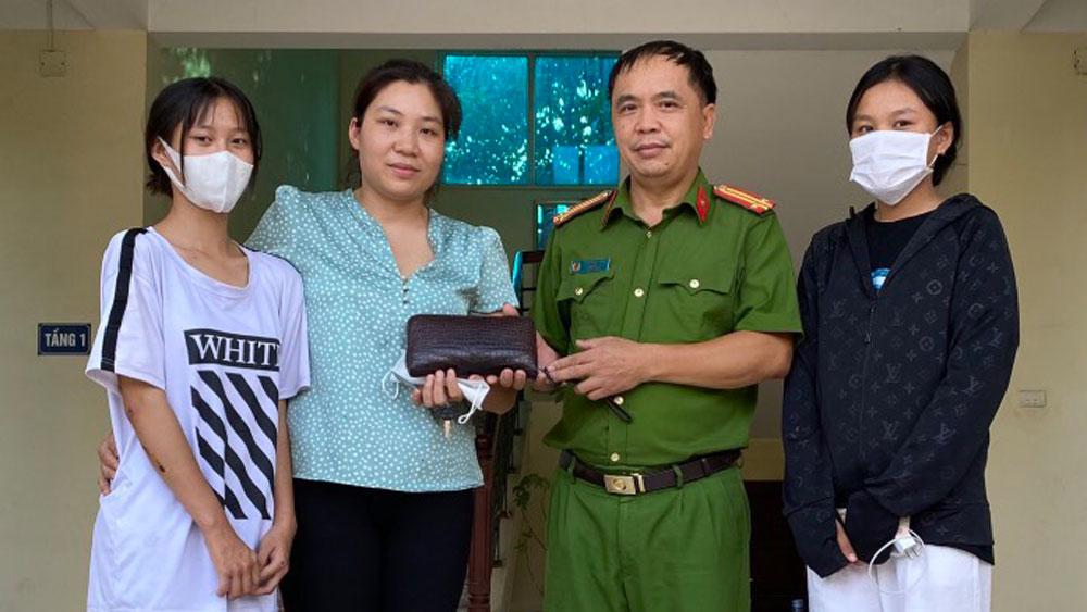 Bắc Giang, giáo dục, khen thưởng, THCS Nguyễn Khắc Nhu, nhặt được đồ, TP Bắc Giang
