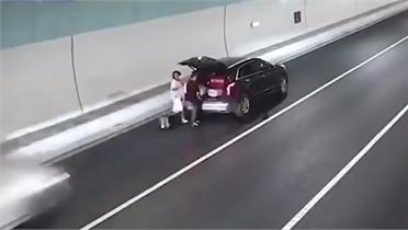 Tài xế thiệt mạng vì dừng xe giữa cao tốc