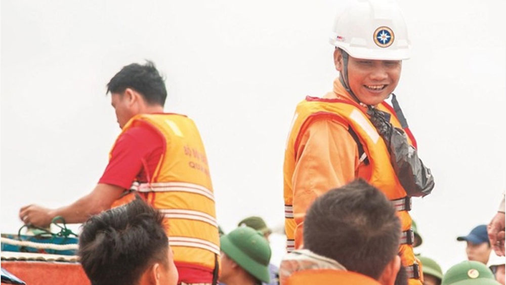 IMO Award granted to a Vietnamese rescuer: A pride of rescue force