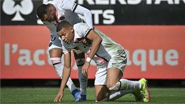 PSG thất bại 0-2 và không dứt điểm hướng cầu môn lần nào