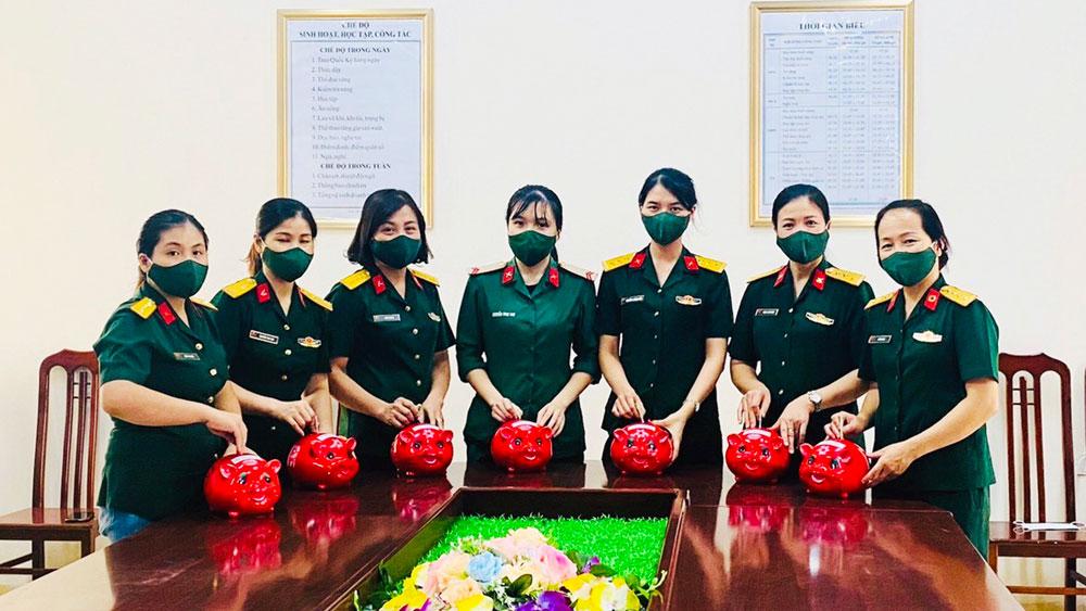 """Những nữ quân nhân """"4 tốt"""""""