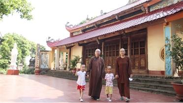 Mái ấm nơi cửa chùa
