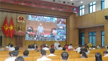 Tổng Bí thư Nguyễn Phú Trọng và Chủ tịch Quốc hội Vương Đình Huệ tiếp xúc cử tri