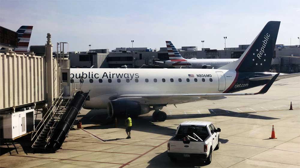 Mỹ: Máy bay chở khách sơ tán khẩn cấp do hành khách gây rối