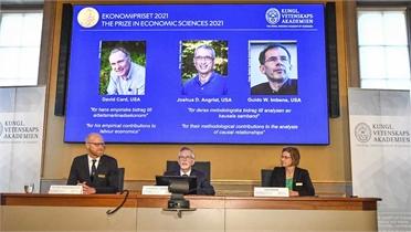 Ba nhà kinh tế Mỹ đoạt giải Nobel Kinh tế 2021