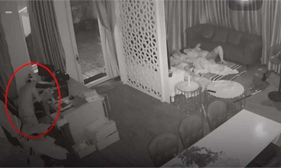 Che camera, đột nhập nhà dân trộm tài sản