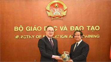 Nga tăng số lượng học bổng cho sinh viên Việt Nam năm 2021 lên 1.000 suất