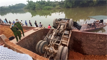 Khai thác khoáng sản, hoạt động bến thủy nội địa trái phép, HTX Tuấn Minh bị phạt 30 triệu đồng