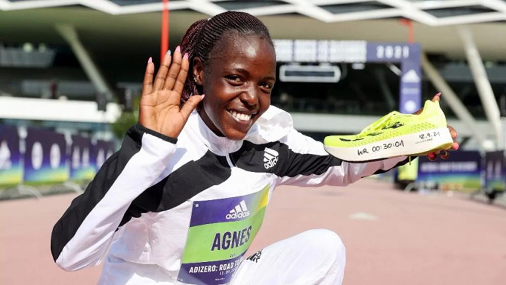 Kenya,Agnes Jebet Tirop,kỷ lục chạy 10km