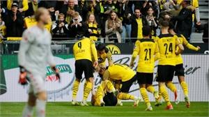 Haaland đưa Dortmund lên đỉnh bảng giải Bundesliga