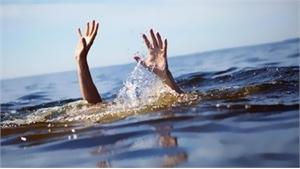 Thừa Thiên- Huế: Tích cực tìm kiếm hai người dân bị lật ghe khi đánh bắt trên sông Bồ