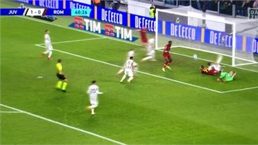 Trọng tài ngăn bàn thắng của Roma trước Juventus