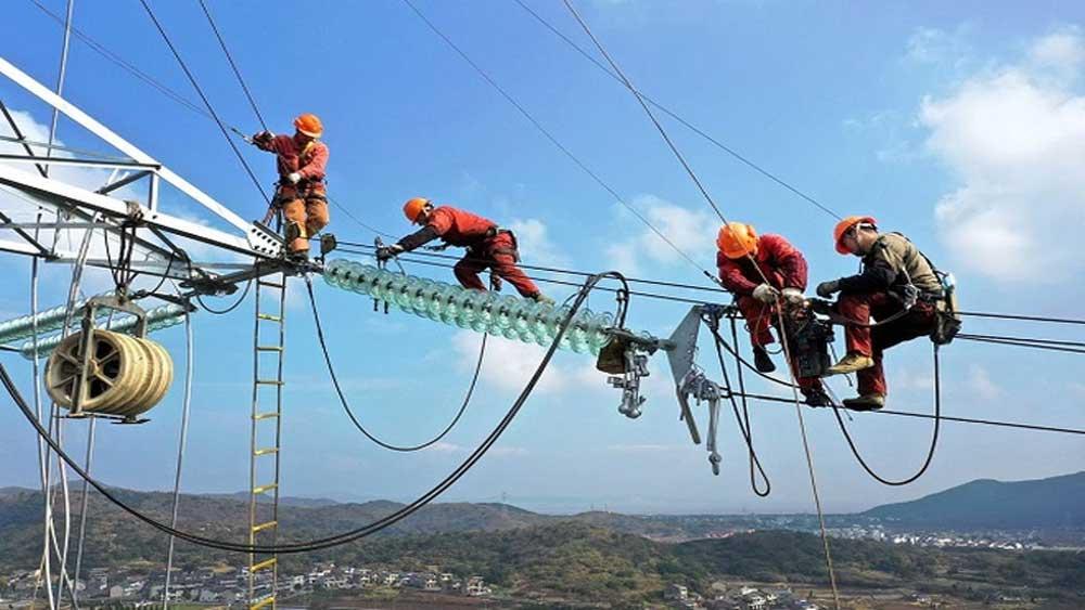 Kinh tế Trung Quốc tăng trưởng chậm lại vì thiếu điện