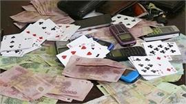 Bắt quả tang 7 đối tượng đánh bạc