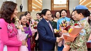 Phụ nữ Việt Nam luôn tỏa sáng truyền thống nhân hậu, đảm đang, trí tuệ và cống hiến