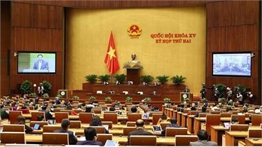Quốc hội thảo luận tại tổ về các vấn đề KT-XH và 2 dự án Luật