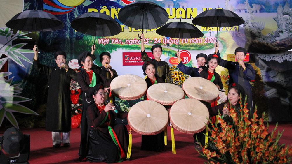 Gần 400 liền anh, liền chị tham dự Liên hoan dân ca quan họ huyện Việt Yên lần thứ XX