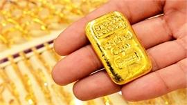 Giá vàng tăng vọt do nhà đầu tư lo sợ lạm phát